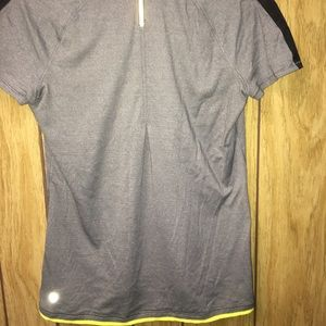 Lululemon gray t-shirt